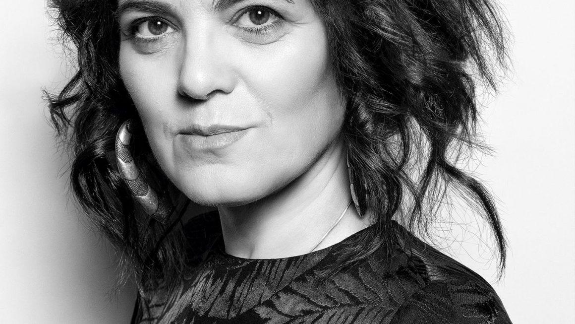 Svetlana Cârstean: Poezii / Pjesme